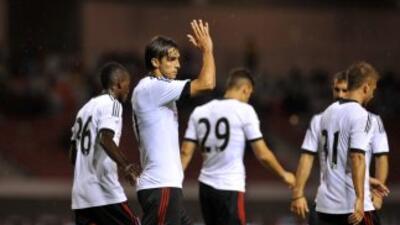 Bryan Ruiz le hizo un gol al Alajuelense.