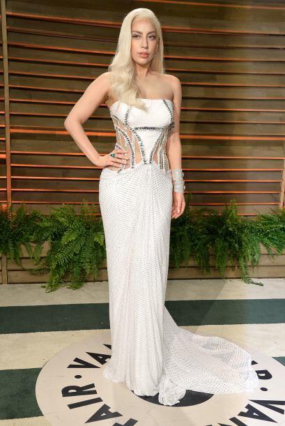 NO asistas a una boda con un vestido blanco a menos de que la novia te l...