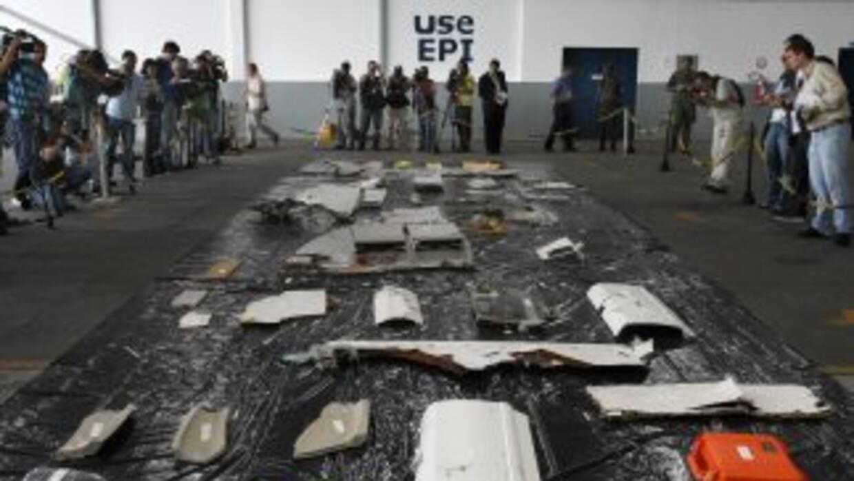 Recuperan restos del avión Air France
