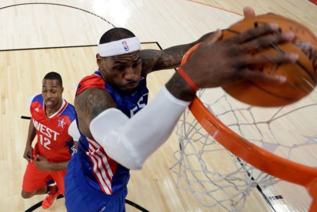 Cuidado con la cabeza LeBron, que imagen tan espectacular.