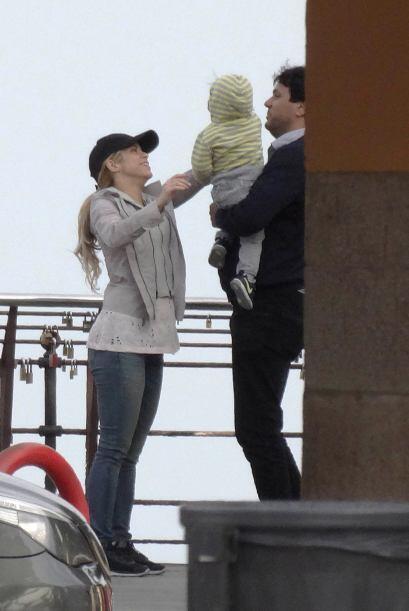 Shakira es una mami muy cuidadosa, está al pendiente de las necesidades...