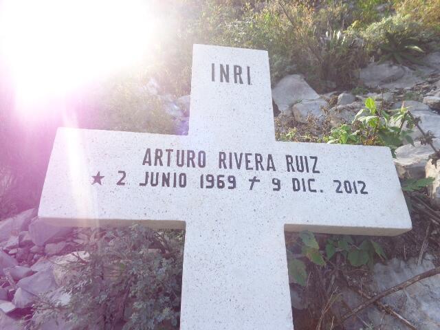 ¿Quiénes son los otros pasajeros que viajaron con Jenni Rivera? DSC00370...