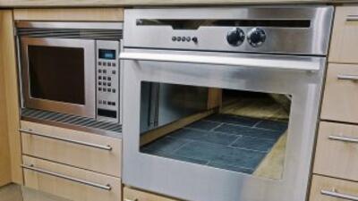 Cocinar en horno convencional no es lo mismo que hacerlo en microondas....