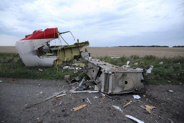 La aeronave se estrelló en la región de Donetsk (este ucraniano), escena...