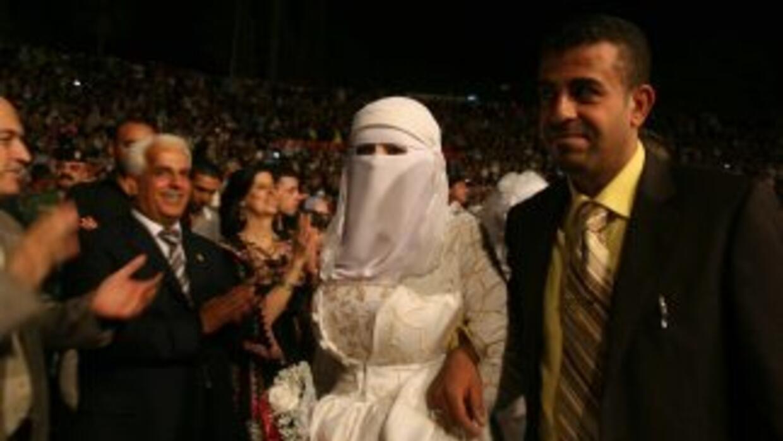Ahmed, de 15 años, contrajo matrimonio con su prima Tamara, de 14, en la...