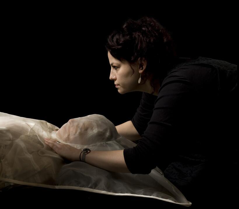 Garments for the Grave, de Pia Interlandi