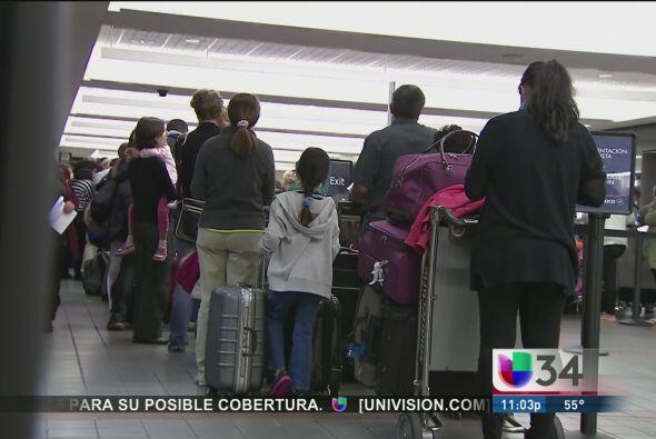 Tormenta invernal afecta vuelos en LAX