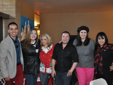 La Navidad llegó a la casa de la familia Univision Arizona llena...