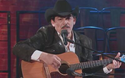 José Manuel Figueroa movió muchas emociones cuando cantó 'Rosas y espinas'