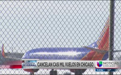 Casi 1,000 vuelos cancelados en aeropuertos de Chicago
