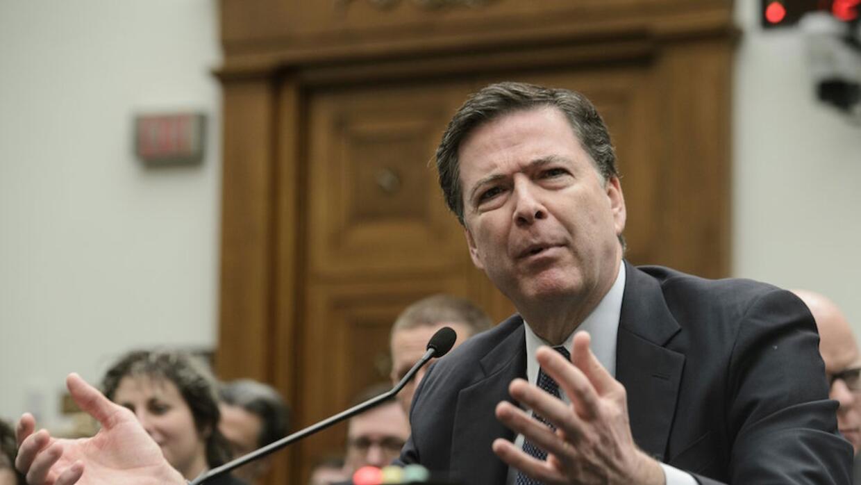 James Comey, director del FBI, defiende el desbloqueo del iPhone