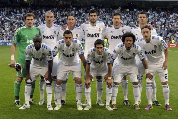 El Real Madrid salió con su rombo defensivo y con Ozil como puntero, en...
