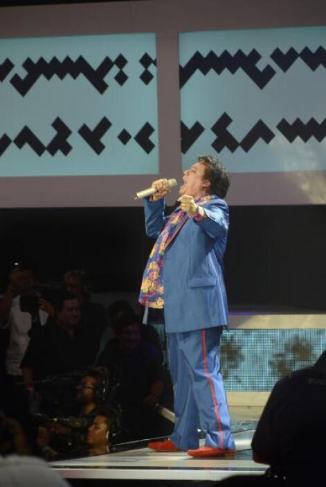 """Pasando por éxitos como """"Te sigo amando"""", el cantante fue coreado en el..."""