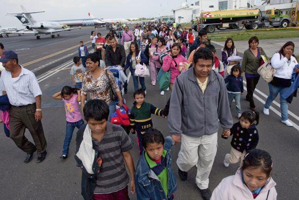 Debido a la ola de violencia que se vive en Ciudad Juaréz, miles de mexi...