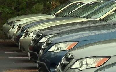 A la hora de comprar auto, ¡Gánele la batalla al vendedor!
