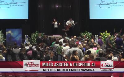 Miles acuden a despedir a Emilio Navaira