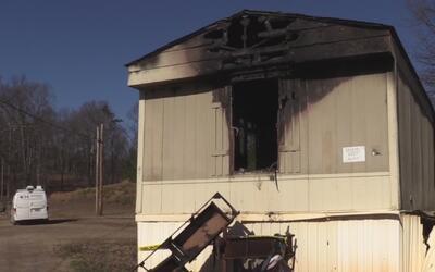 ¿Qué se debe hacer en caso de incendio en una vivienda?