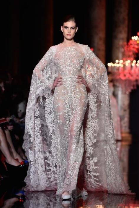 Otra opción son aquellos con medias capas, pues en el invierno las novia...