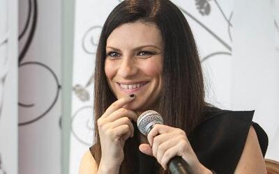 """Laura Pausini está furiosa por críticas luego de su """"destape"""""""