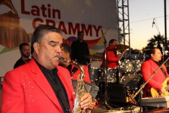 Cientos de personas disfrutaron de la tremenda celebración del Latin Gra...