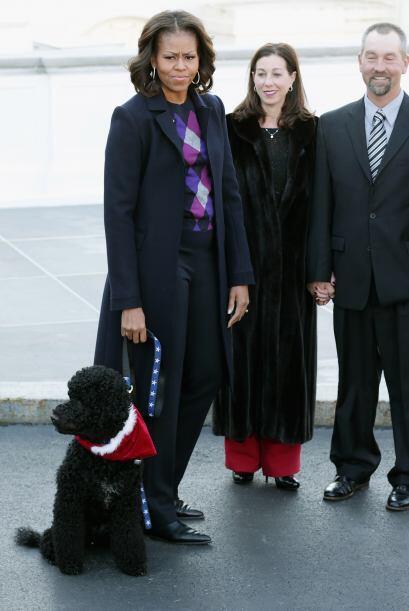 Michelle, muy elegante, como siempre. Mira aquí los videos más chismosos.