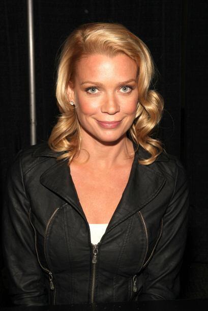 Laurie en octubre de 2011 participó en las conferencias de la convención...