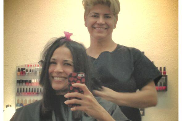 Antes de volar rumbo a Nueva York, Karla Martínez visitó el salón de bel...