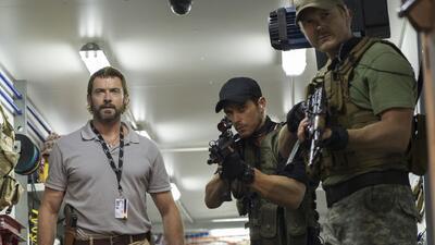 Hugh Jackman y Sigourney Weaver contra 'Chappie'