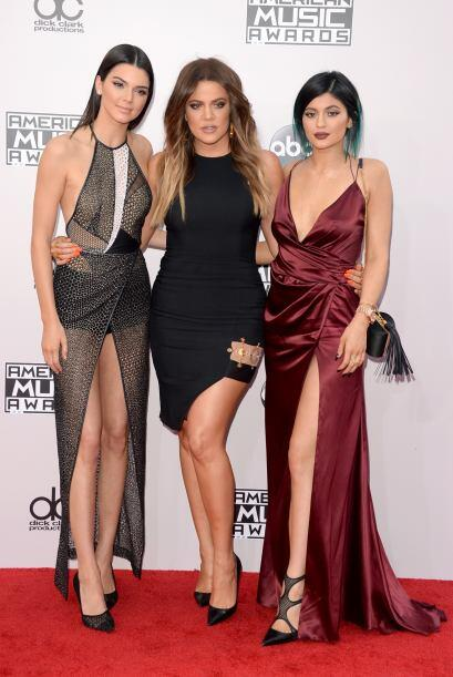 """Sí, las Kardashian-Jenner llegaron para """"romper la alfombra"""". Bueno no p..."""