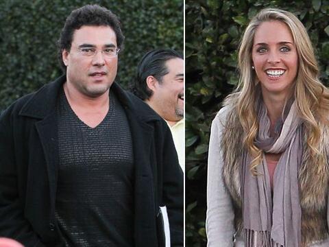 El actor de telenovelas fue pillado saliendo de un restaurante en Los &A...