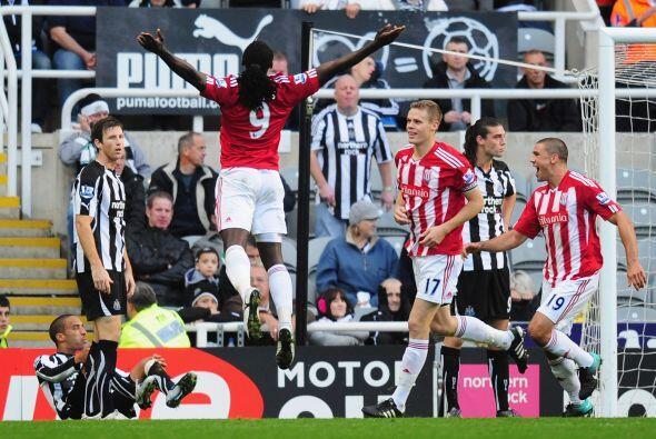 Pero el Stoke dio al vuelta al duelo consiguiendo el 2-1 final.