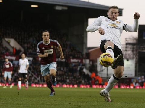 El delantero inglés cargó con el equipo en la segunda part...
