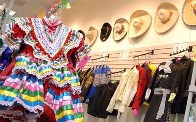 MARIACHI CONECCTION: se puede encontrar trajes típicos de las dif...