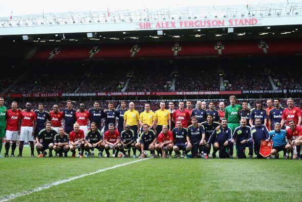 La cancha de Old Trafford se llenó de figuras con la disputa de u...