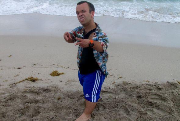 Juanito y su pose de galán.