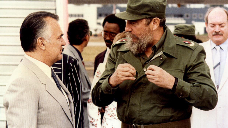 Fidel Castro con el presidente Miguel de La Madrid.