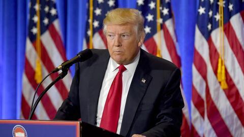 Trump se defiende sobre el dudoso informe de espionaje ruso que lo compr...