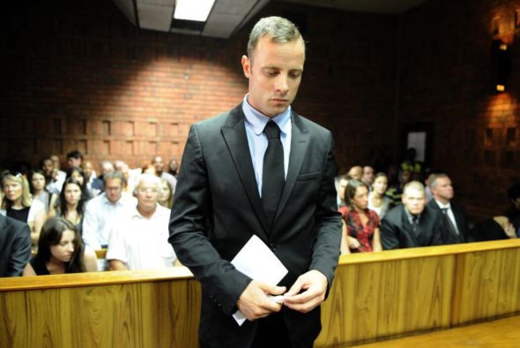 Pistorius se había declarado no culpable de asesinato y decía que estaba...