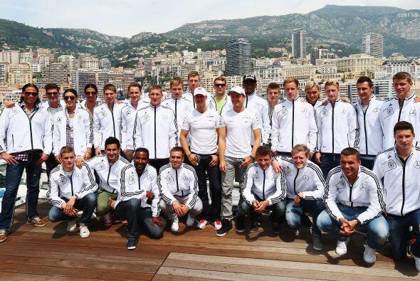 La selección alemana visitó las pistas de Mónaco donde se lleva a cabo l...