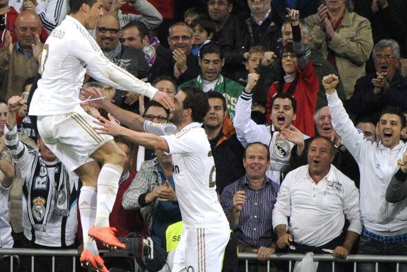 Su gol fue muy festejado por todo el público.