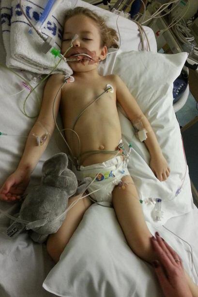 La pequeña está sometida a un tratamiento muy fuerte de qu...