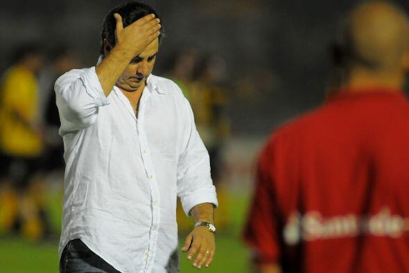 Jorge 'Polilla' Da Silva, técnico de Godoy Cruz, además de...