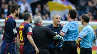 Víctor Valdés se perderá 4 partidos por su reacción contra Pérez Lasa.