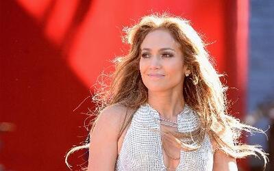 Jennifer López está feliz de haber conocido su ídolo y mucho más en El R...