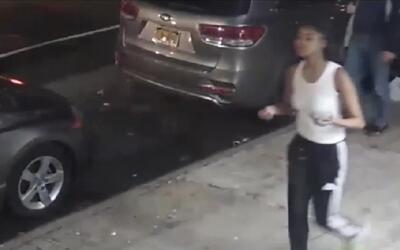 Una joven fue atacada por un grupo de al menos 20 personas en Brooklyn