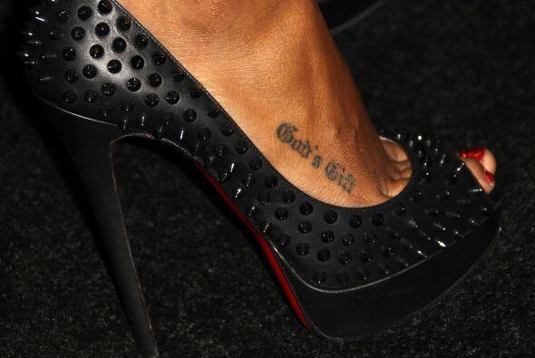 Ahora también la reconoceremos por este discreto tatuaje en el em...
