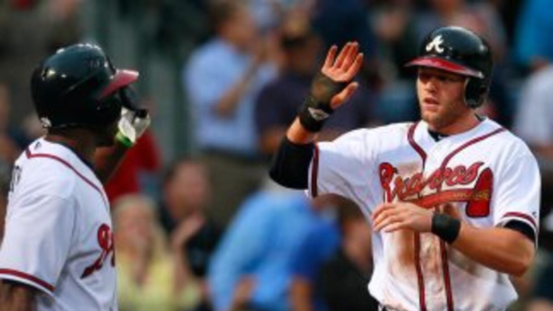 Tyler Pastornickyanota en el segundo inning para Atlanta.