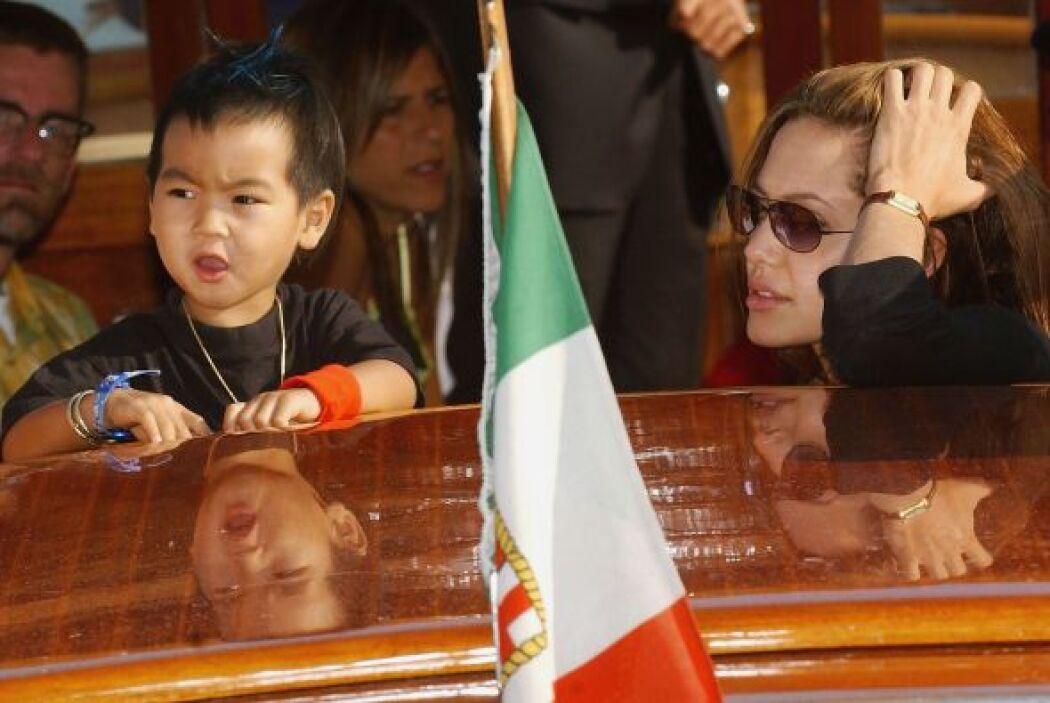 Maddox y Angelina en septiembre de 2004. Mira aquí lo último en chismes.
