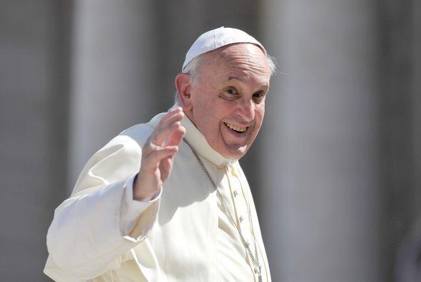 A los tres meses del inicio de su pontificado, las encuestas comenzaron...