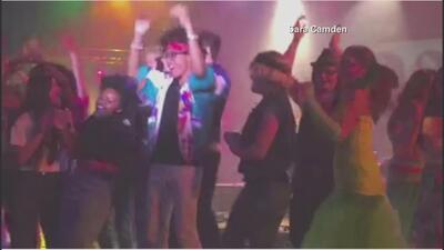 Se desploma el escenario durante un musical estudiantil